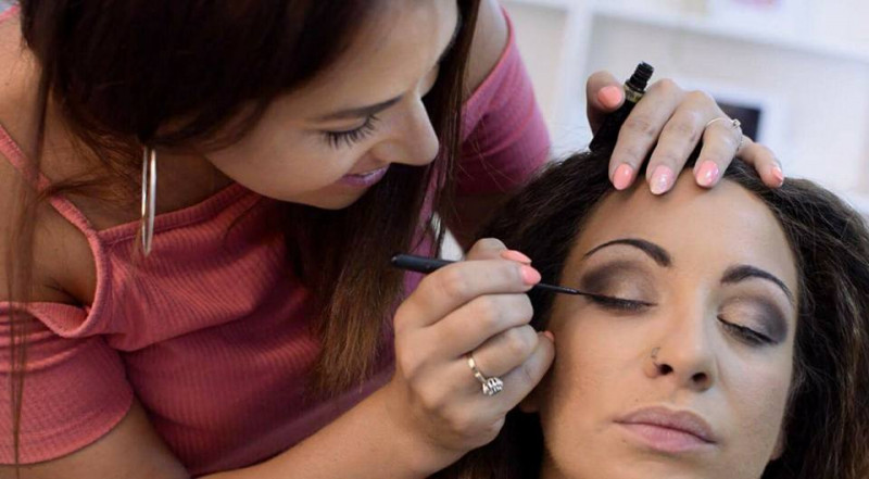 lisa-harris-hair-and-make-up-artist