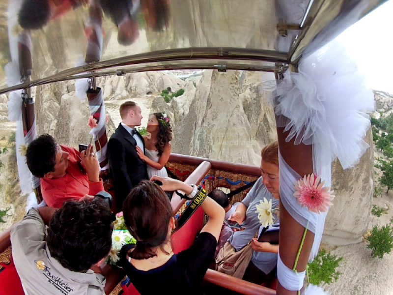turkey-weddings-hot-air-balloon-wedding